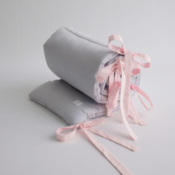 Ochraniacz Simply – szary z różowymi trokami