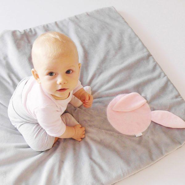 Rabbit Blanket – szary z różowym