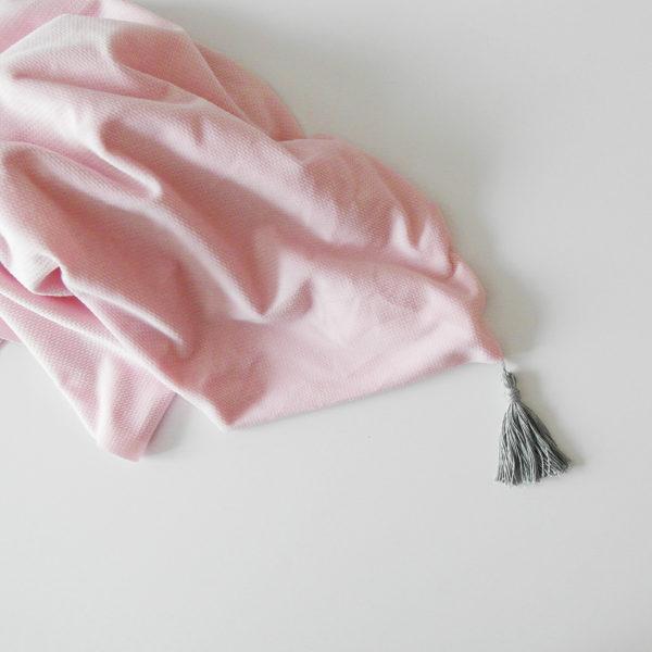 Lekki kocyk Velvet/otulacz -z ozdobnym chwostem- pinky